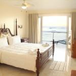 vip_deluxe_beach_front_room_1